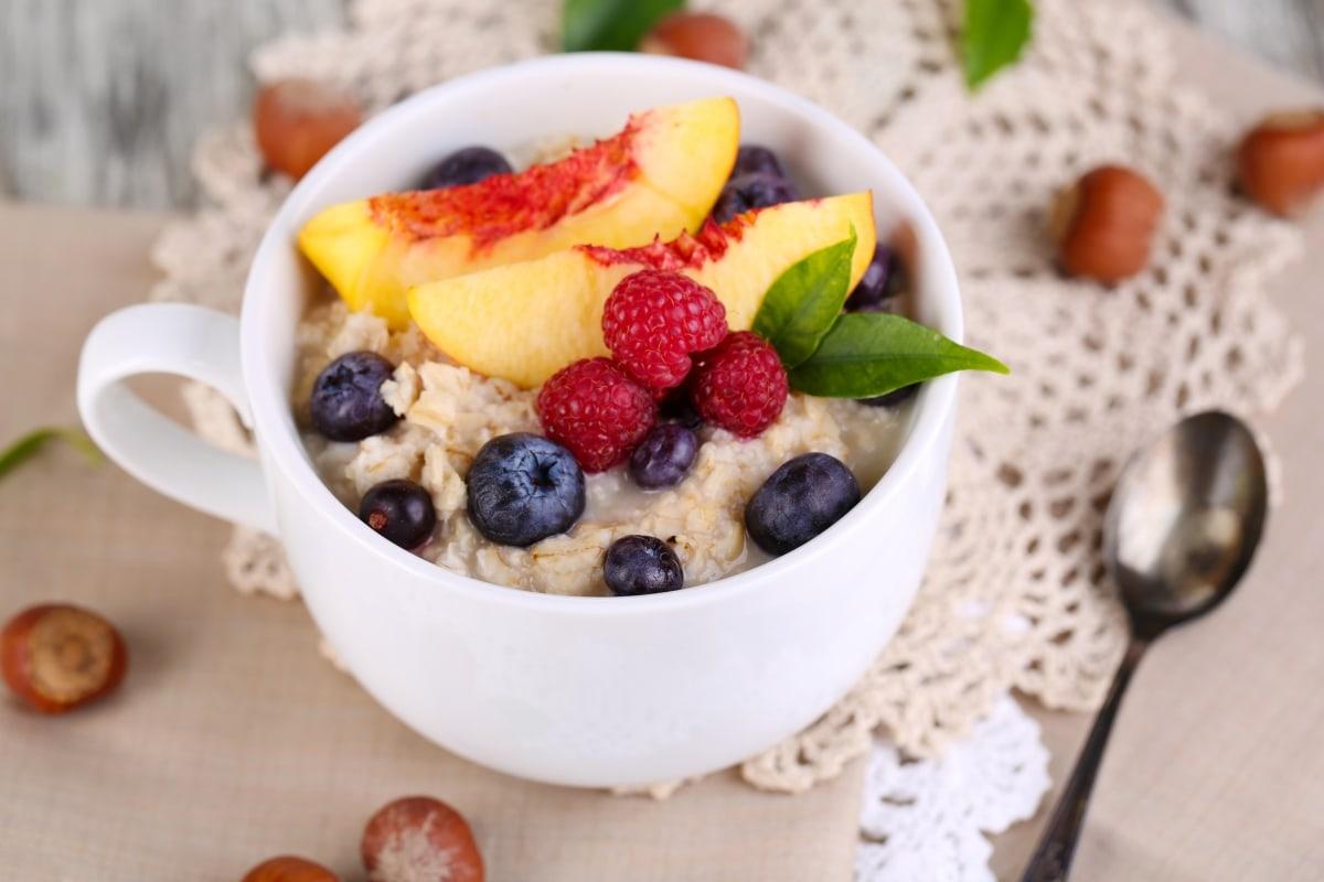 Папка «Фото», Сезонные продукты-летний режим питания – каша с фруктами.