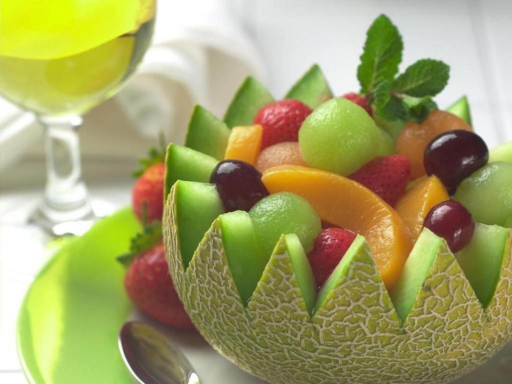 Пиала из дыни-идеи подачи ягод и фруктов
