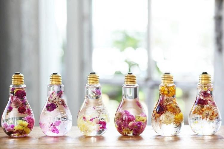 Rie Okits- handmade-вазы из старых лампочек пример для вдохновения 15
