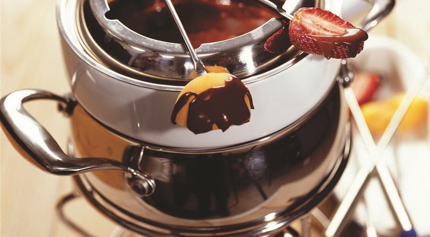 Шоколадное фондю-вкусные идеи для лета