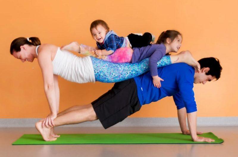 Семейная йога-фото