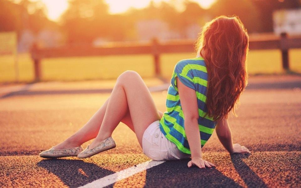 Папка «Фото», Смуглое лето-правила идеального загара – нежится на солнце.