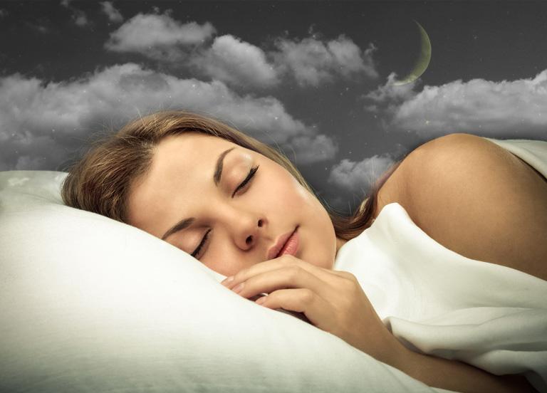 Спящая девушка-фото 2