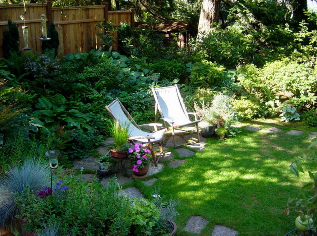 Зона отдыха-в саду