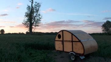 фургончик для кемпінгу, який Ви можете зібрати своїми руками