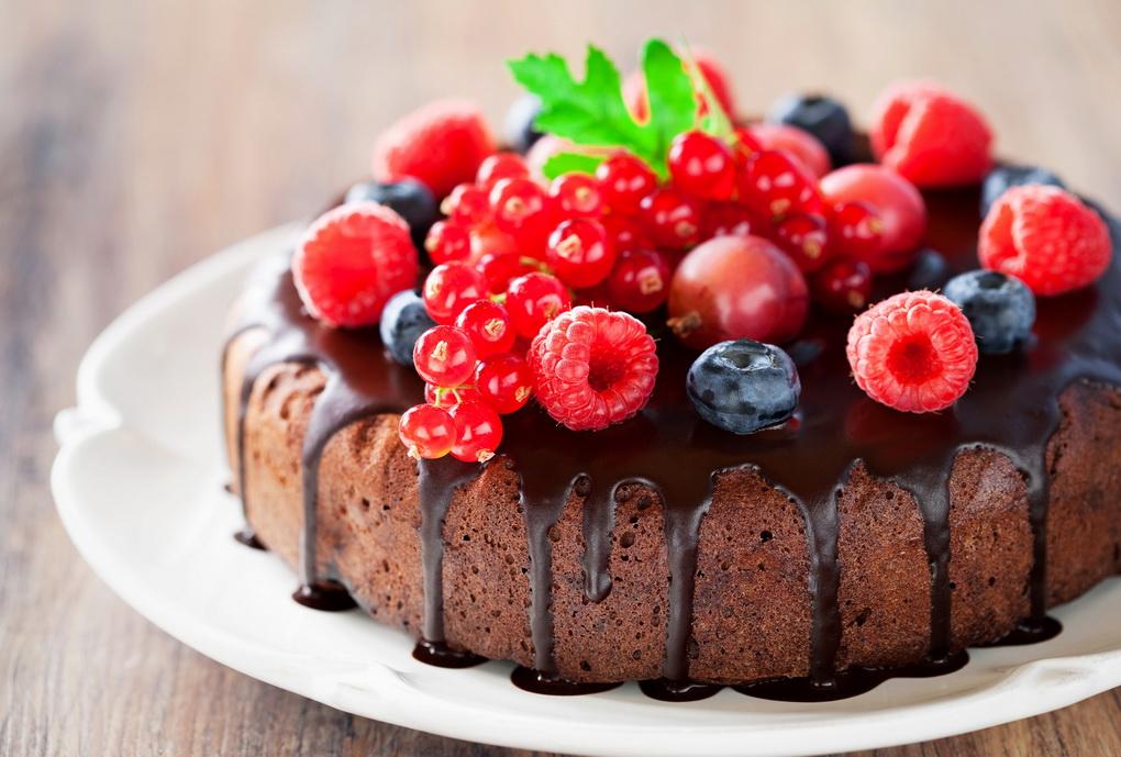 Раз пирог, два пирог: летняя выпечка с ягодами и фруктами