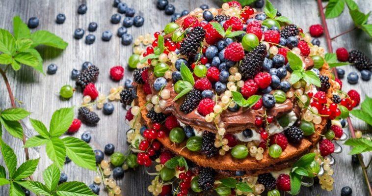 Раз пирог, два пирог летняя выпечка с ягодами и фруктами