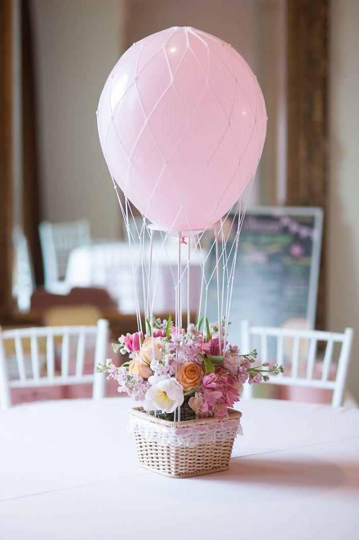 Воздушный шар из шарика-украшение стола