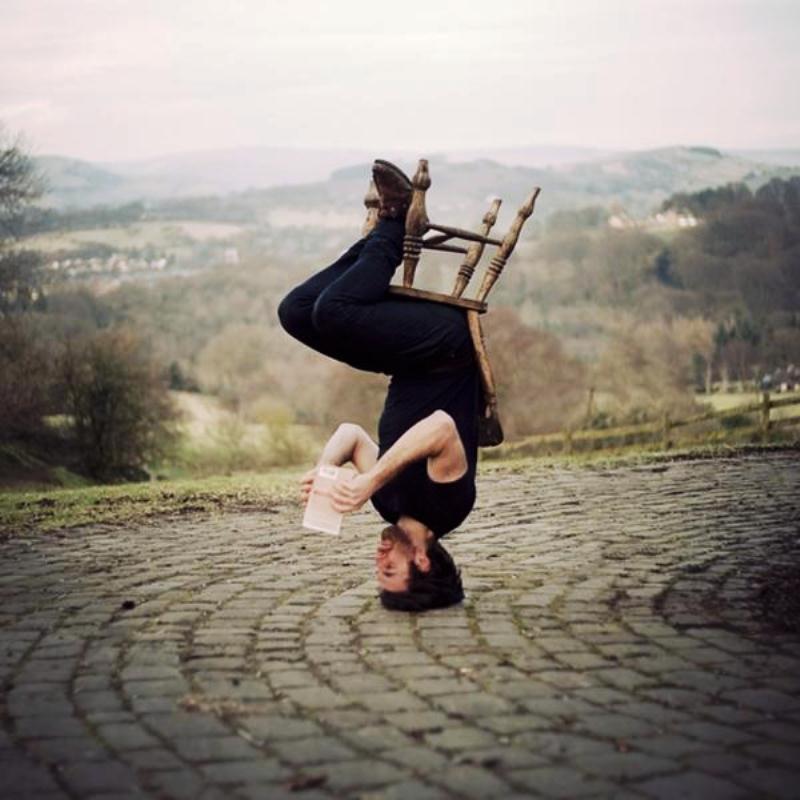Жизнь вверх ногами-фото