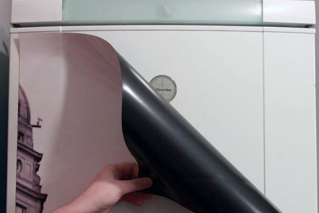 Декор старого холодильника-магнитная панель фото