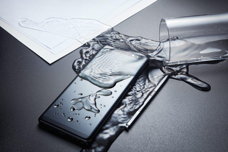 Galaxy Note 8 против iPhone 7 Plus битва флагманов – дизайн и дисплей (2)