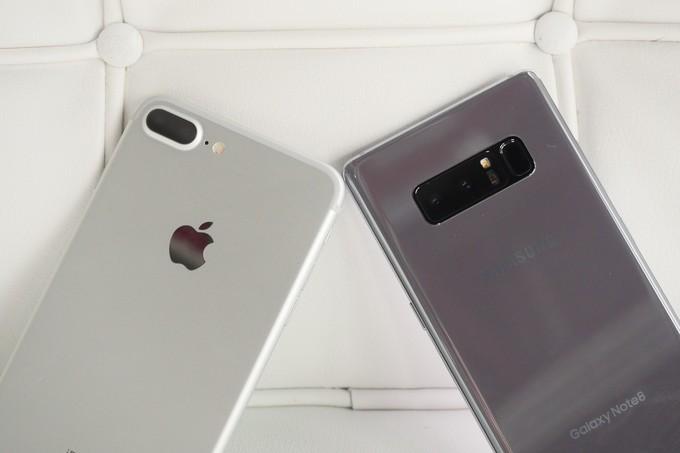 Galaxy Note 8 против iPhone 7 Plus битва флагманов - Сравнение двойных камер