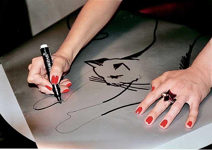 Рисунки на самоклейке своими руками