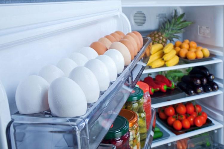 Какая температура должна быть, чтобы продукты не портились - яйца в холодильнике