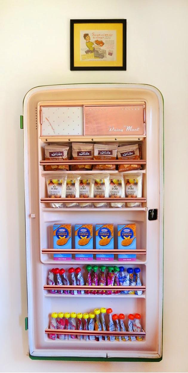 Кладовая для хранения продуктов-со старого холодильника