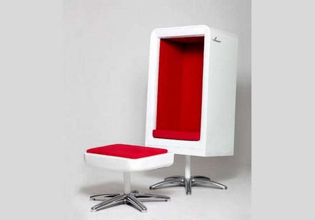 Кресло и пуфик из старого холодильника-креатив
