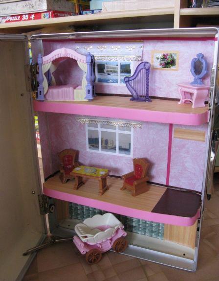 Кукольный домик из старого холодильника-фото