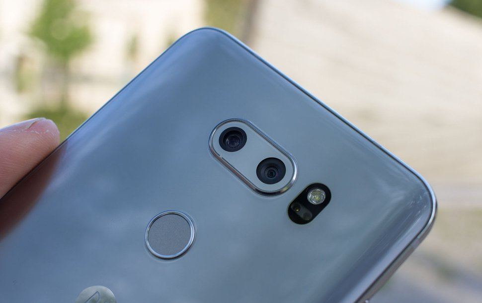 LG V30-камера задняя панель