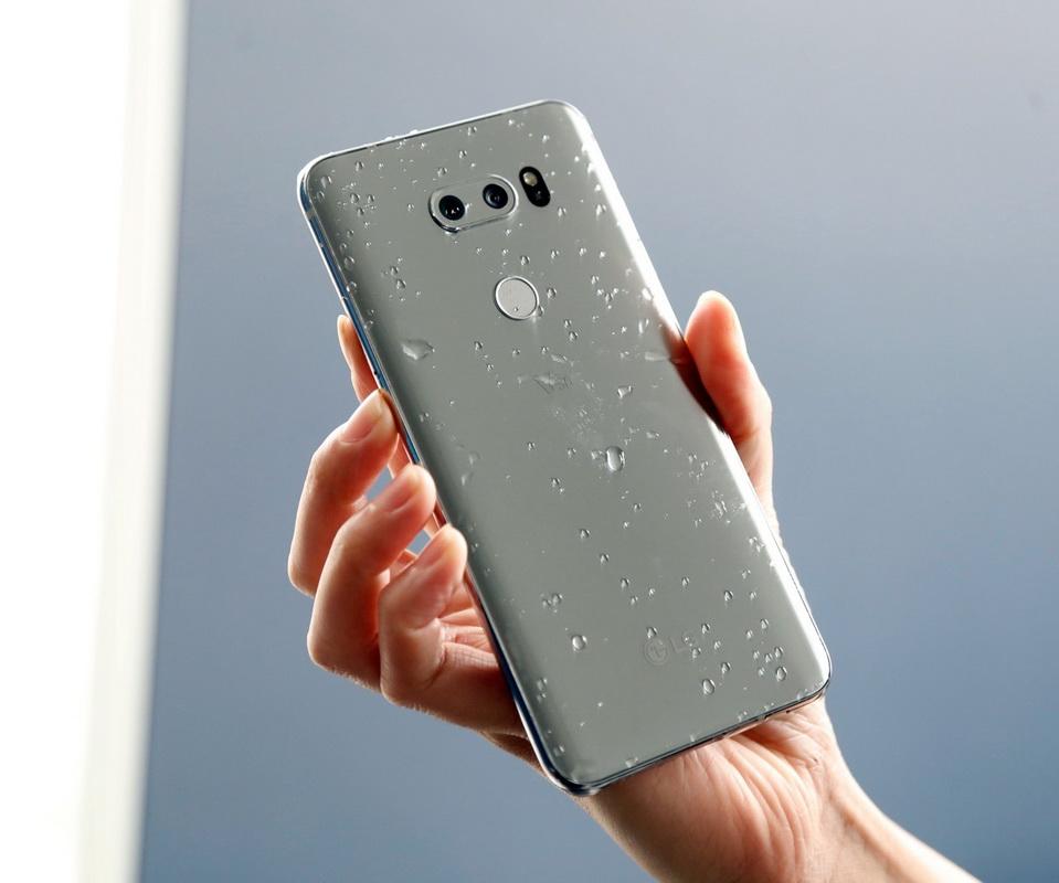 LG V30-влагозащита фото 1