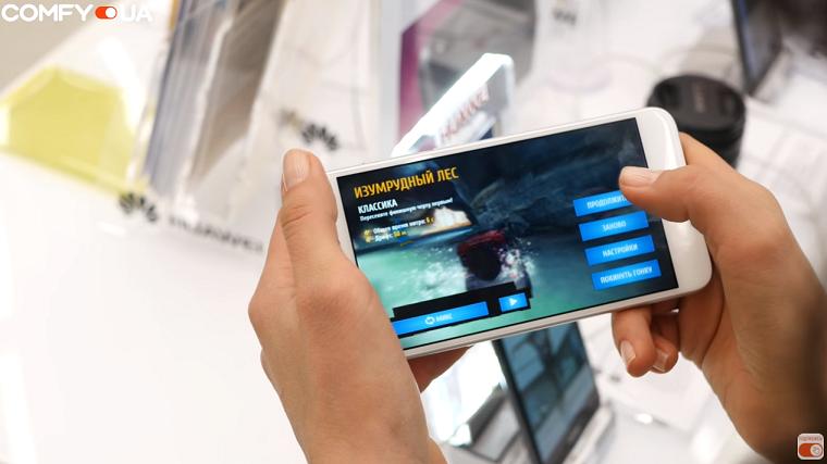 Обзор Huawei P8 Lite 2017 - играть на смартфоне