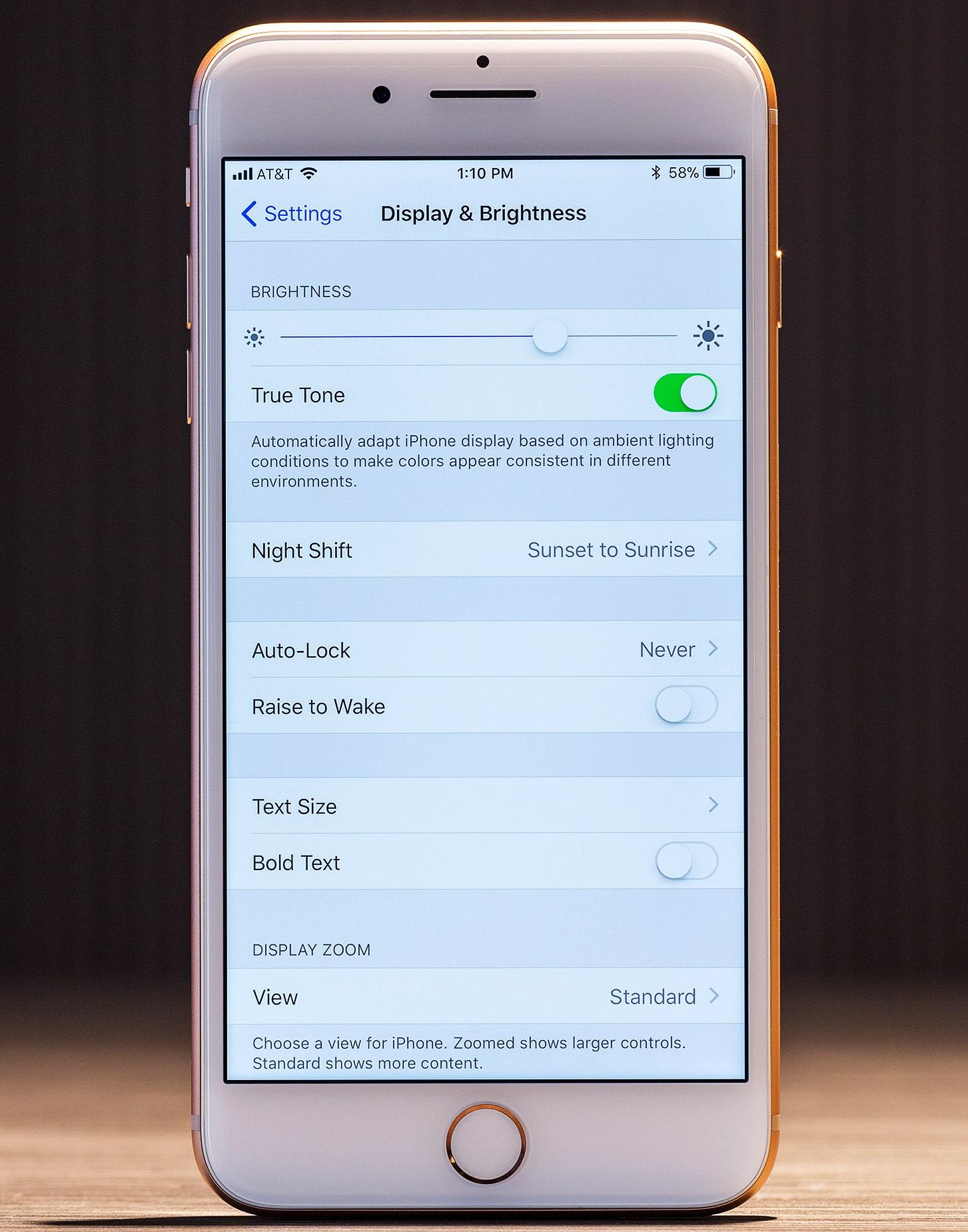 Обзор новых яблочных смартфонов iPhone 8 и iPhone 8 Plus – дисплей (3)