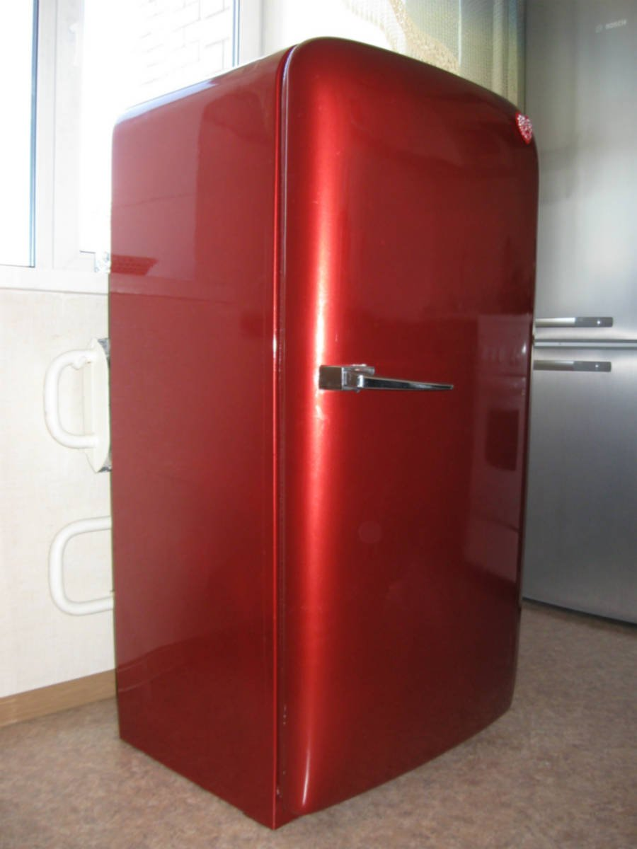 Окрашивание-декор старого холодильника