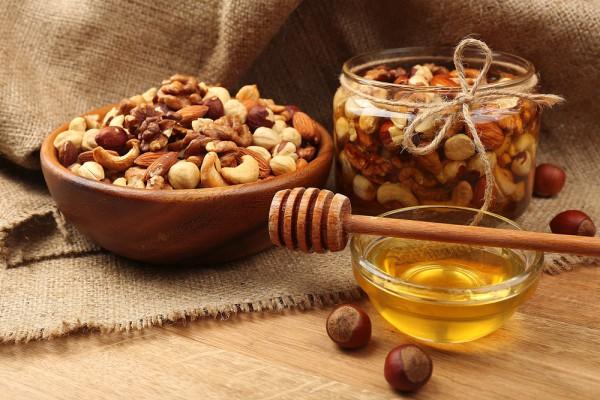 Папка «Фото», Сезонные продукты-осенний режим питания – орехи и мед.