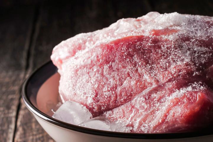 Принцип работы морозильной камеры_просто о сложном - замороженное мясо
