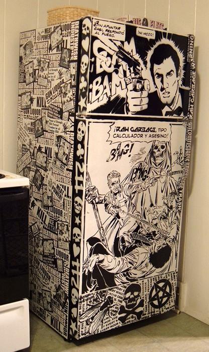 Старый холодильник-неформальный дизайн из старых комиксов и наклеек