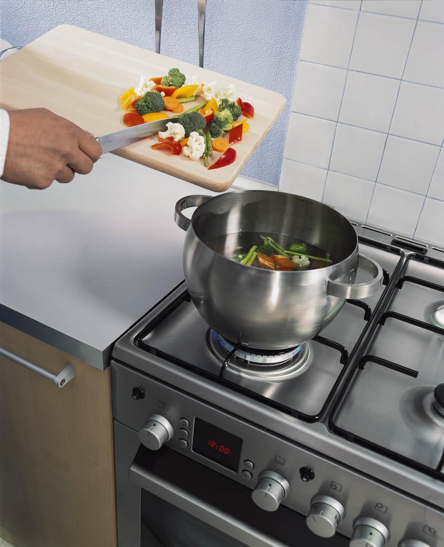 Чем быстро и безопасно очистить газовую плиту - готовим на плите