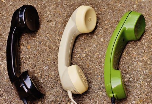 Чем отличается смартфон от телефона_главные отличия - телефонные трубки