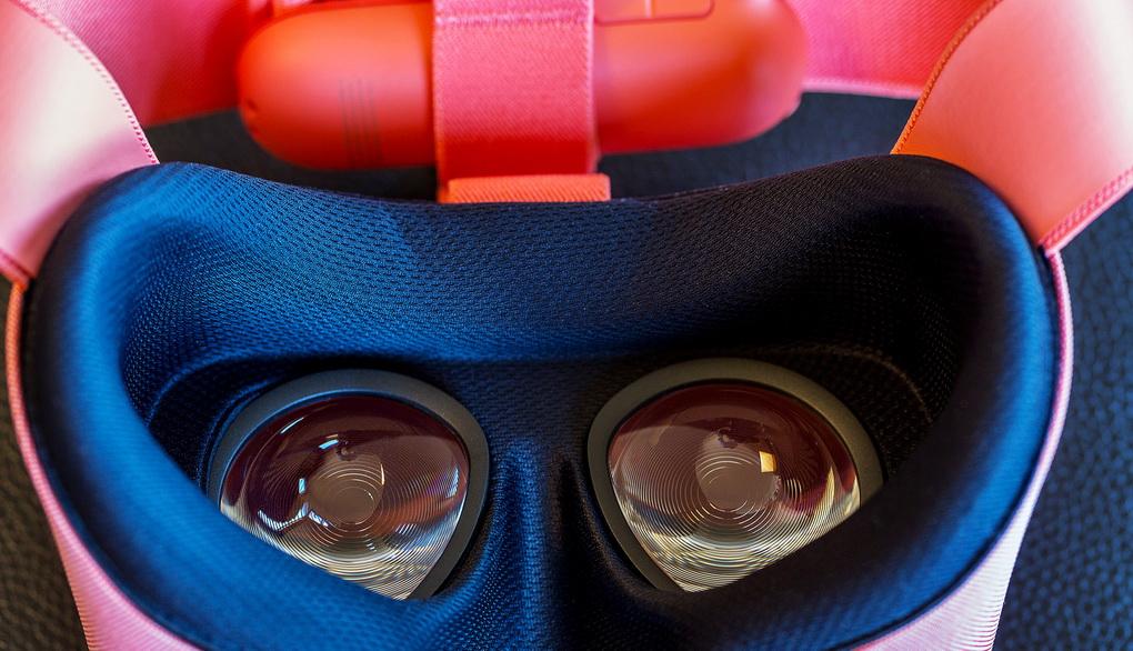 Google-обновленный VR-шлем Daydream View фото 3