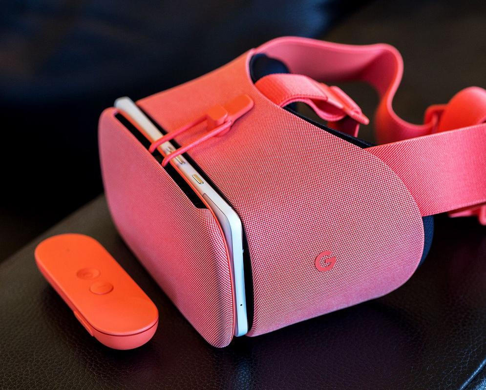 Google-обновленный VR-шлем Daydream View фото 5
