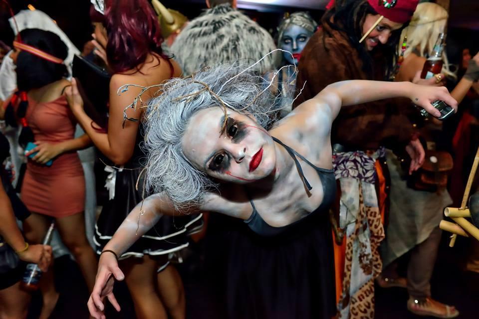 Halloween-тематическая фотосессия