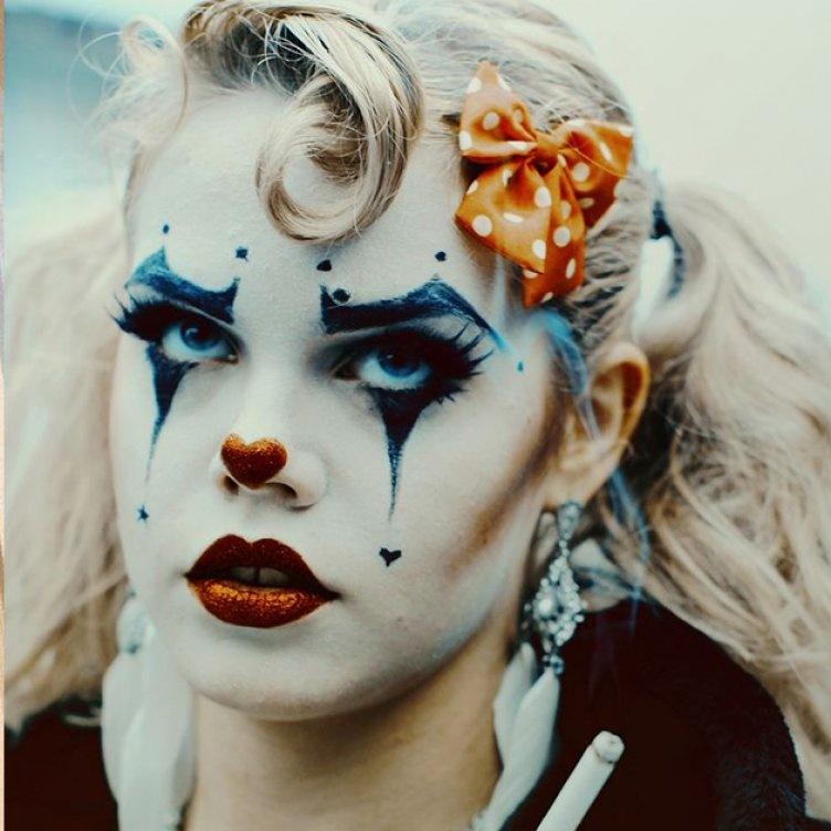 Идеи для жуткого макияжа на Хэллоуин-страшный клоун