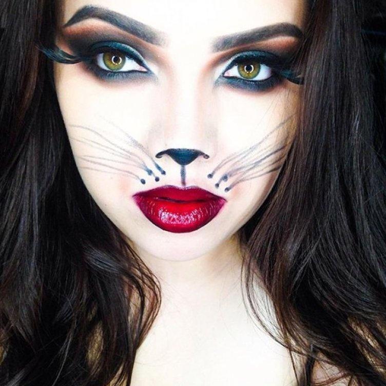 Идеи для жуткого макияжа на Хэллоуин-женщина-кошка