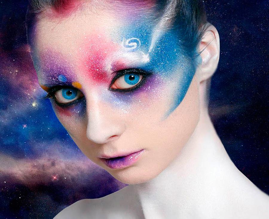 Космическая девушка-подготовка к Хэллоуину