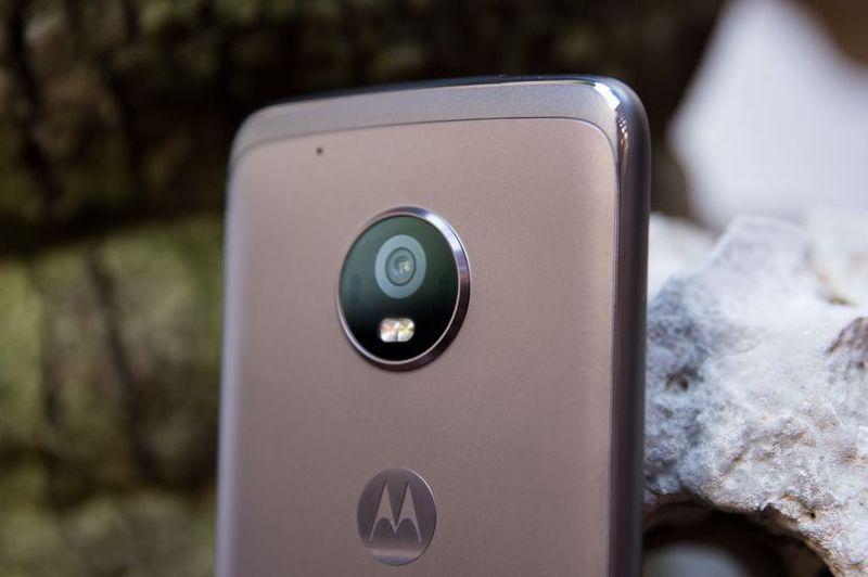 Лучшие бюджетные смартфоны последних лет обзор – Motorola Moto G5 (3)