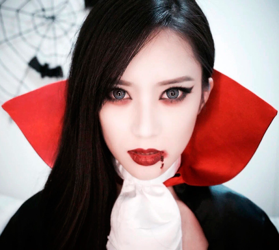 Образ для Хэллоуина-девушка-вампир