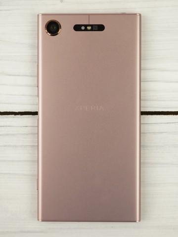Обзор смартфона Sony Xperia XZ1 – дизайн (10)