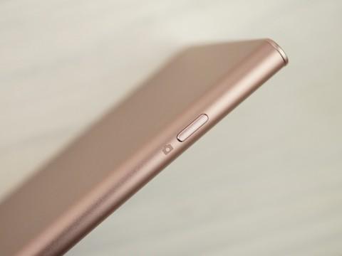 Обзор смартфона Sony Xperia XZ1 – дизайн (5)