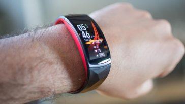 Обзор влагозащищенного фитнес-браслета Samsung Gear Fit 2 Pro