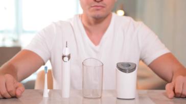 Зубна щітка з сушкою та стерилізатором