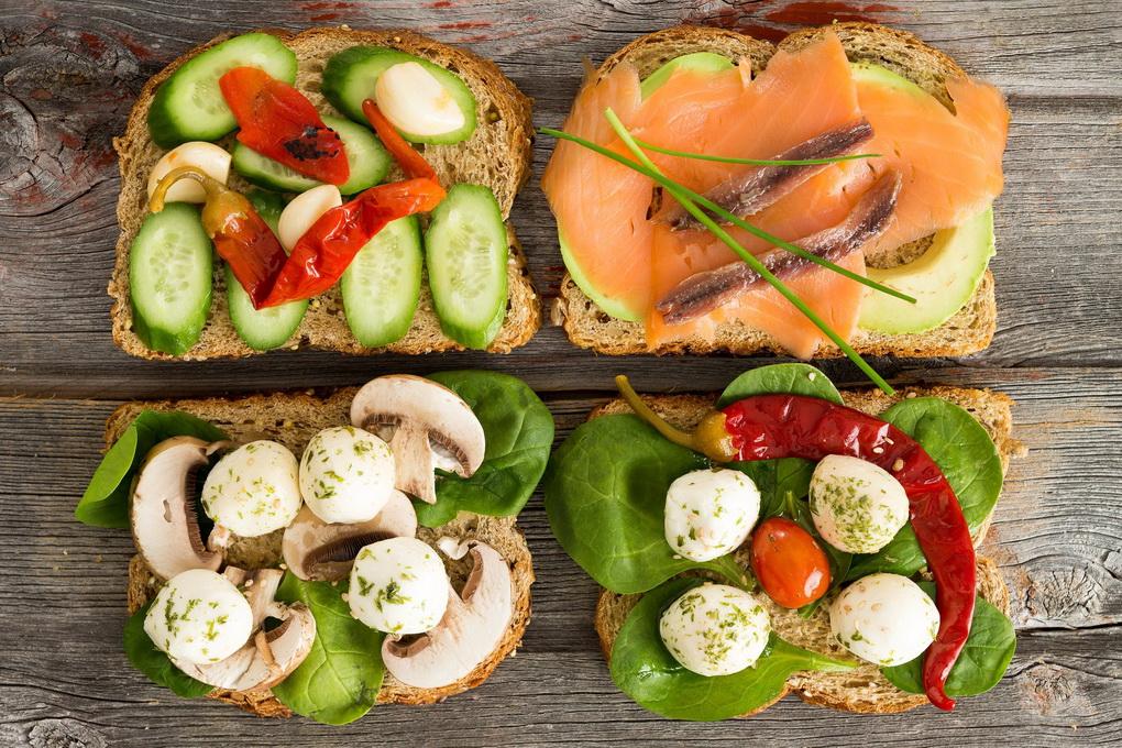 Бутерброды с цельнозерновым хлебом-красивая подача