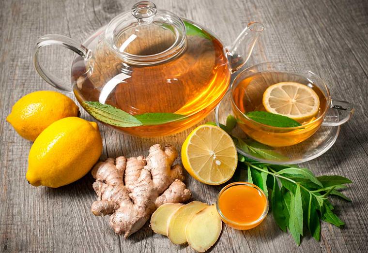 Імбирний чай з лимоном.