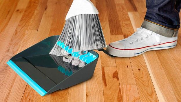 Как помыть пылесос чтобы не пришлось покупать новый - веник и совок