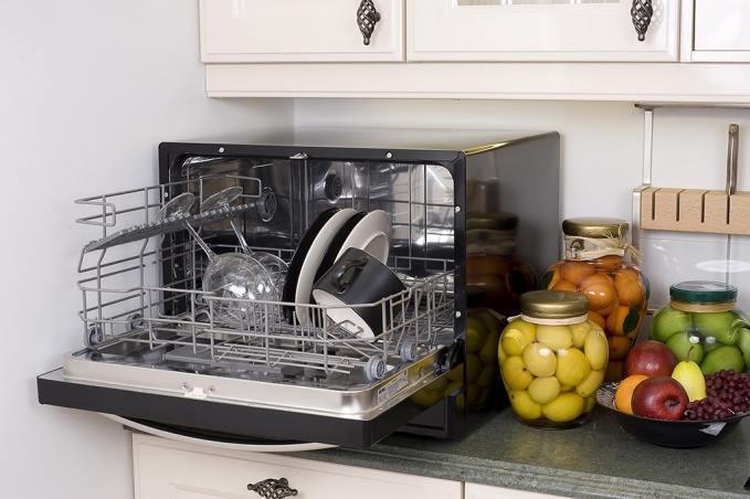 Как выбрать посудомоечную машину которая работает эффективно и экономично - настольная посудомойка