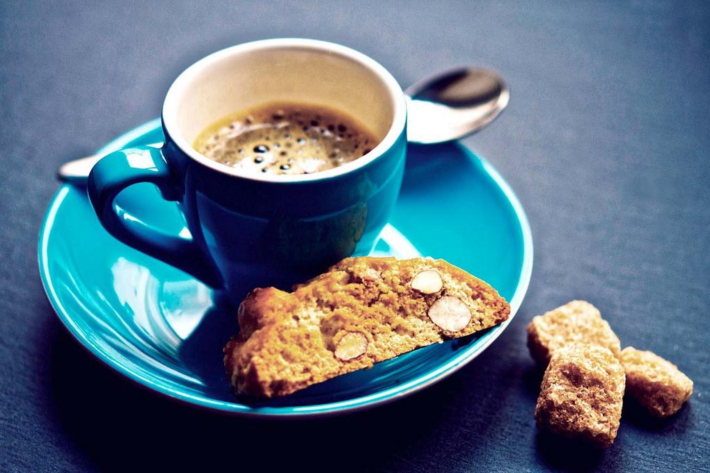 Кантуччи с кофе-завтрак итальянца