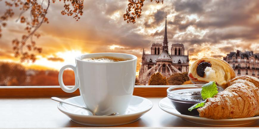 Кофе и круассаны-Париж