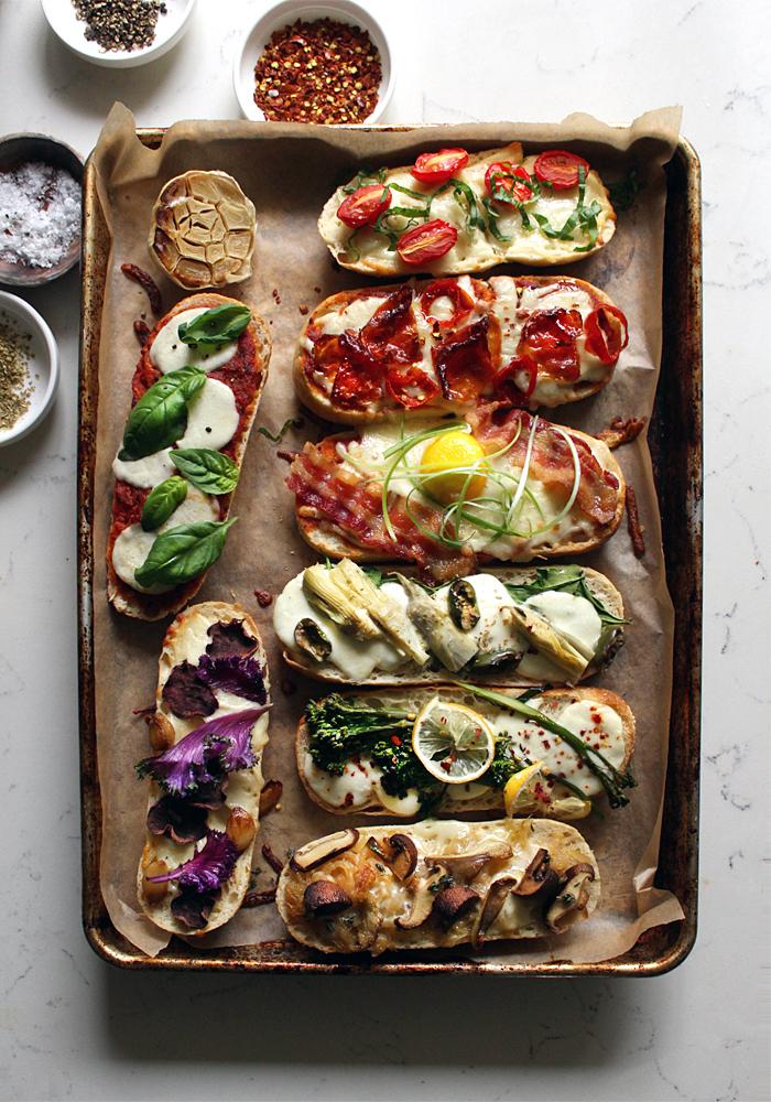 Мини-пиццы с бутербродов-подача